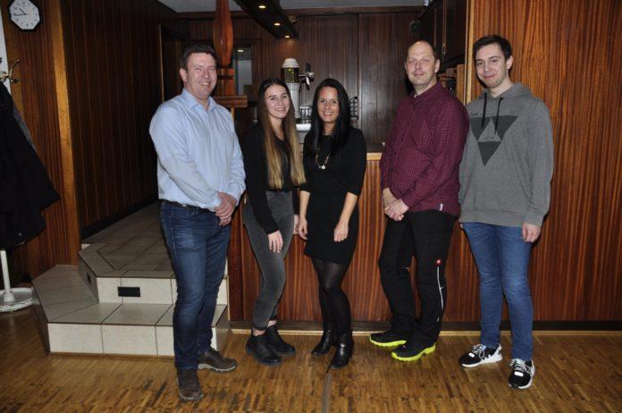 Der Vorstand des Spielmannzuges des MTV Vater Jahn (v.l.n.r.): Frank Prediger, Alina Köther, Kim Bienas, Michael Averbeck, Ferris Klingenberg.